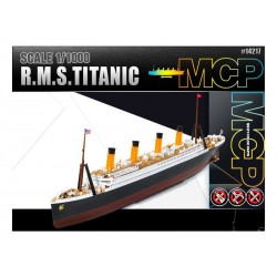 Academy Titanic (1:1000)