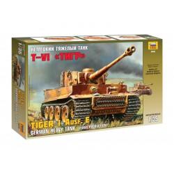 Zvezda tank Tiger I - starší verze (Kursk) (1:35)